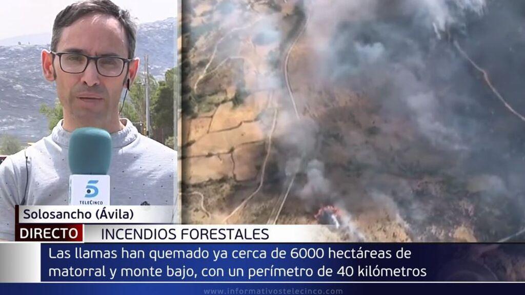 El incendio de Navalacruz obliga a evacuar Riofrío y Sotalbo