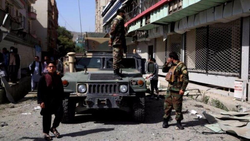 Habrá transición de poder en Afganistán: los talibanes, a la puertas de Kabul, piden negociarla
