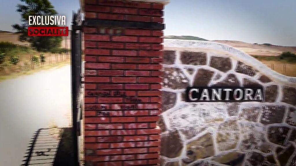 Vandalismo en Cantora con mensajes hacia Isabel y Agustín Pantoja
