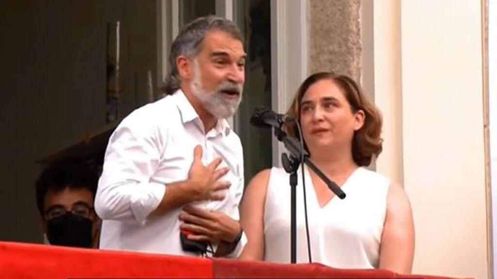 """Colau resta importancia a los abucheos recibidos en las fiestas de Gràcia: """"Siempre hay alguna pitada"""""""