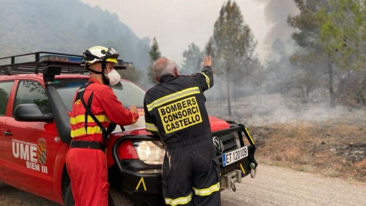 Un incendio forestal en Azuébar, Castellón, obliga a evacuar el municipio y a movilizar a la UME