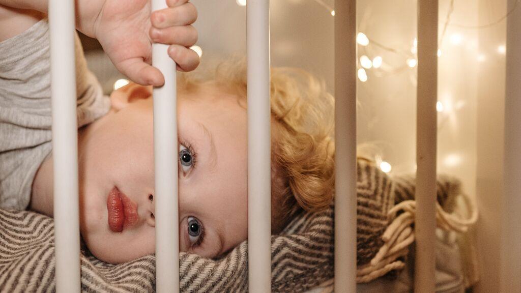 Dormir a tu bebé en la cuna solo será más fácil con estos consejos