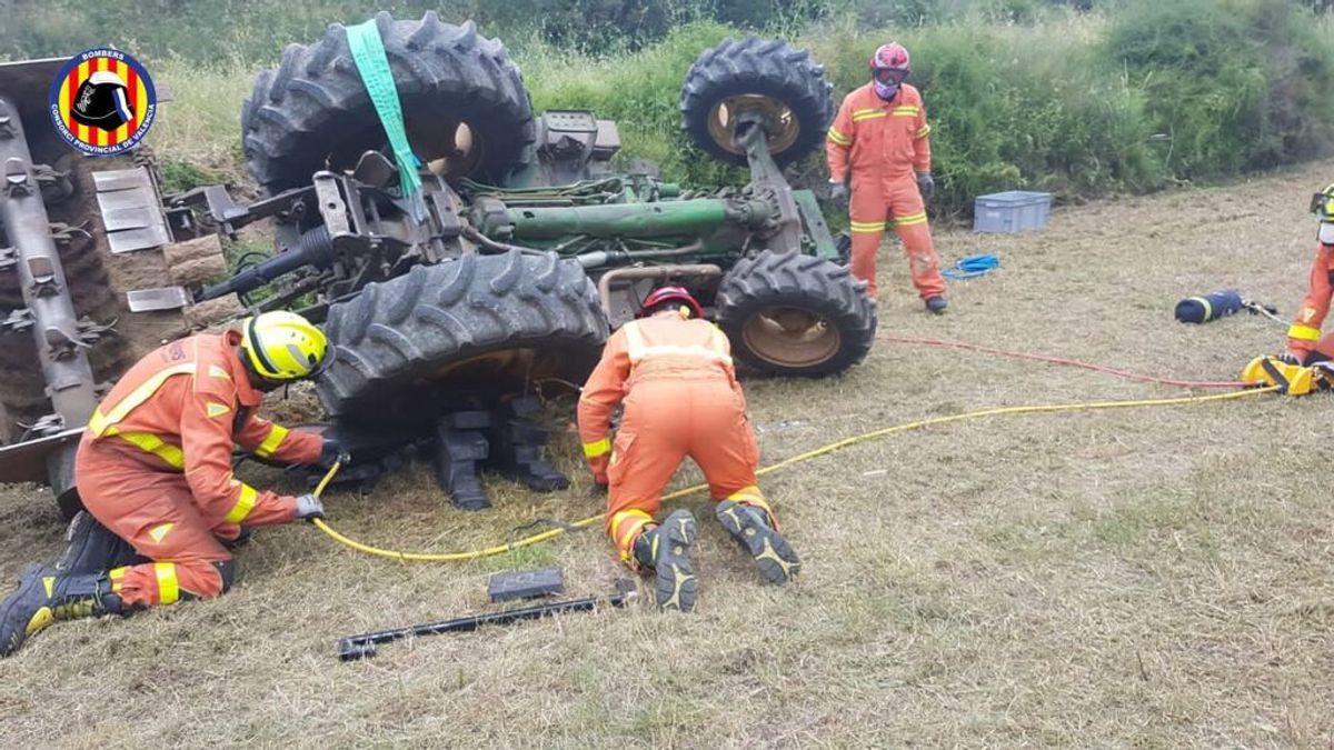 Muere un hombre al quedar atrapado debajo del tractor que manejaba en A Coruña