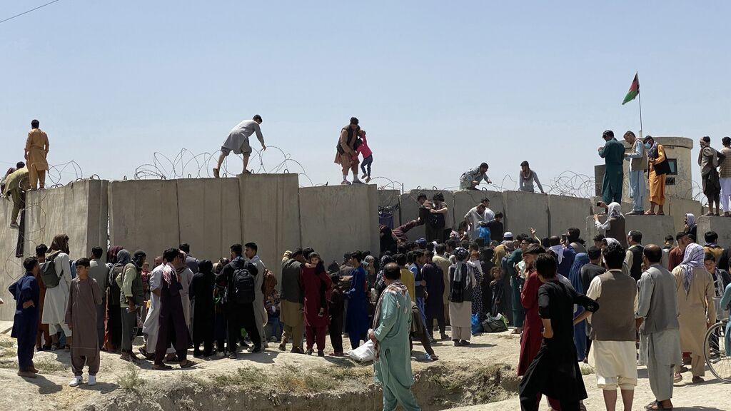 Los españoles en Afganistán, en el aeropuerto a la espera de su repatriación
