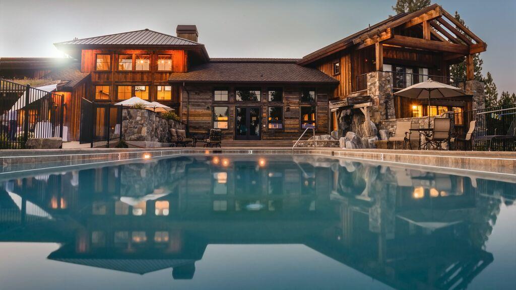 Una casa como la de las grandes estrellas: qué no puede faltar en una vivienda de lujo