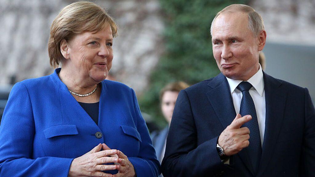 Merkel visita a Putin en Moscú en la recta final de su etapa como canciller