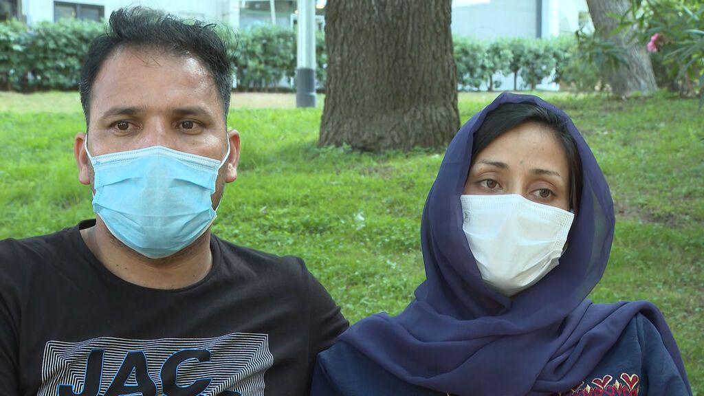 """Nasim y Zainab han huido de Afganistán a Barcelona: """"Teníamos que escapar de los talibanes como fuera"""""""