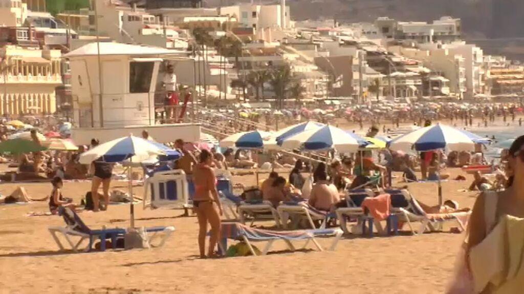 El calor sofocante y la calima se instalan en Canarias: ¿hasta cuándo?