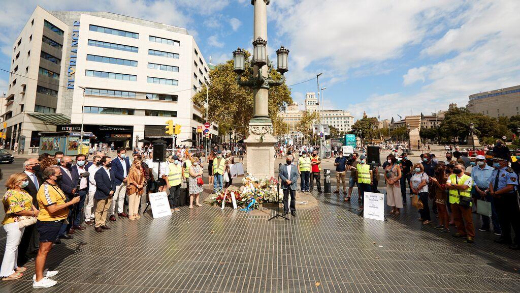 La Asociación Catalana de Víctimas de Organizaciones Terroristas (ACVOT), en el acto de homenaje