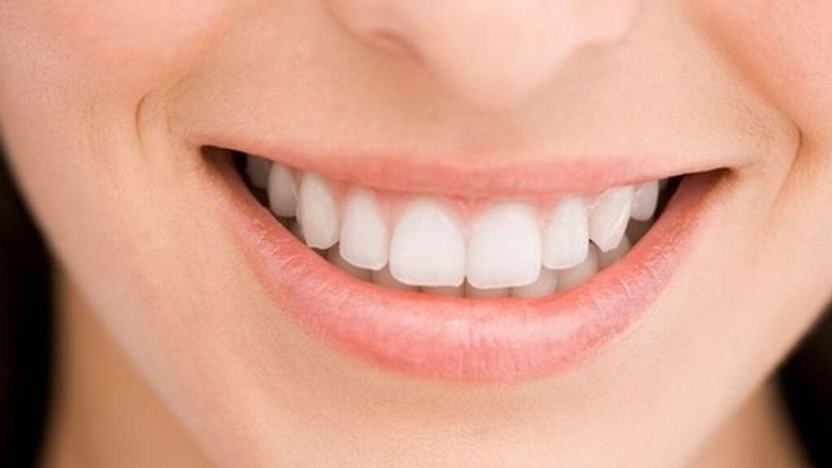 Cómo blanquear los dientes con bicarbonato en tu casa: los pasos que deberás seguir para lograr la sonrisa perfecta.