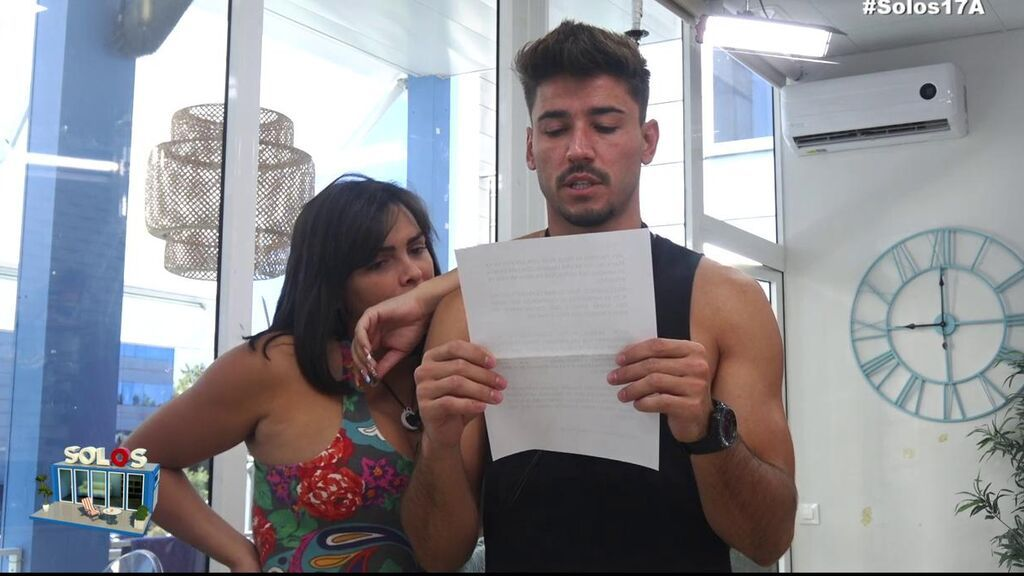 "Amor Romeira, preocupada por la posible salida de Iván de 'Solos on the beach': ""no sé qué haría"""