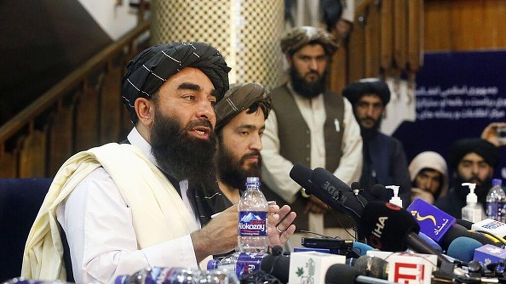 Los talibanes aseguran que respetarán los derechos de las mujeres y las niñas siempre dentro de la ley islámica