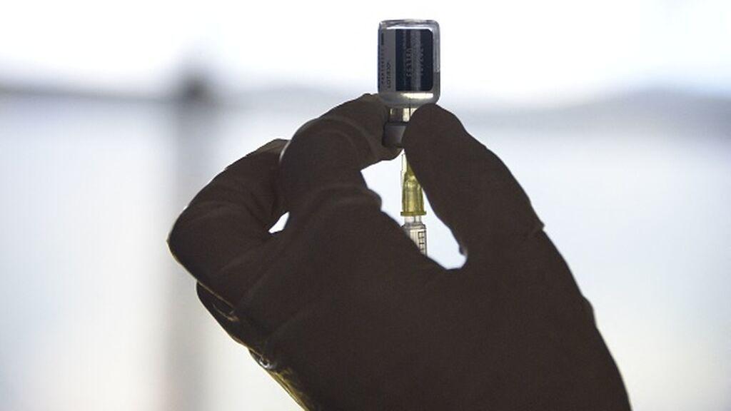 El Gobierno no alcanza a vacunar al 70% de la población total como había prometido