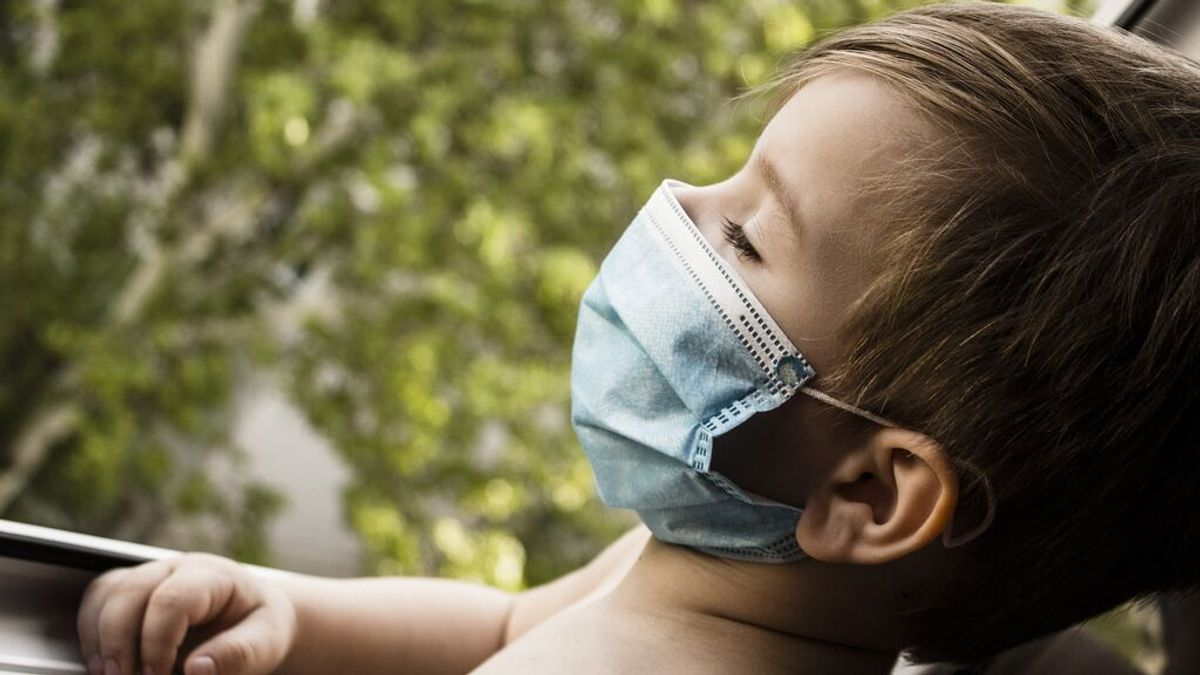 Los bebés y niños transmiten más el coronavirus en casa que los adolescentes, según un estudio
