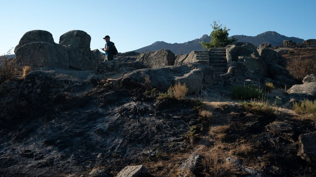 Estabilizan el incendio de Navalacruz tras devastar más de 20.000 hectáreas