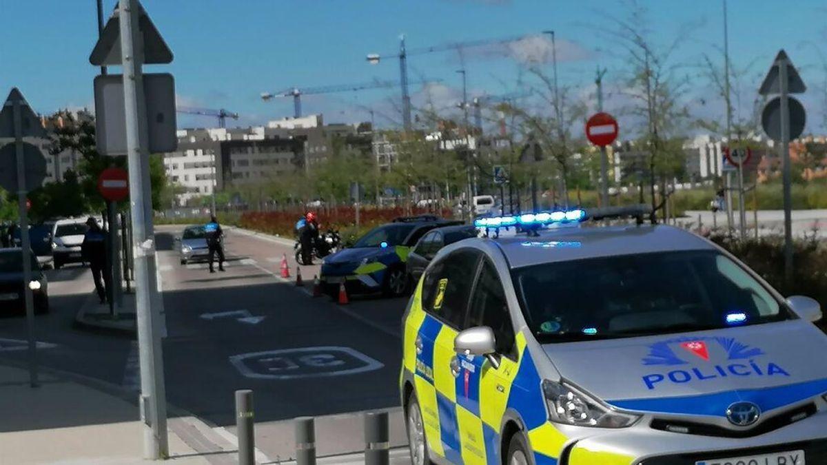 Un niño de 8 años coge las llaves del coche de su familia y se choca con otro vehículo en Madrid