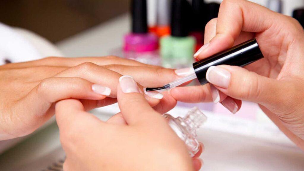 También, será importante limpiar las manos bien con bicarbonato de sodio.