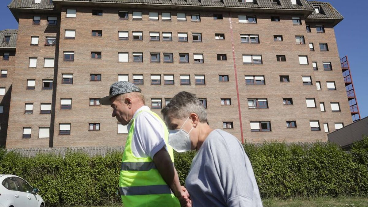 Sanidad notifica una bajada a 8.507 hospitalizados por covid y 121 muertos