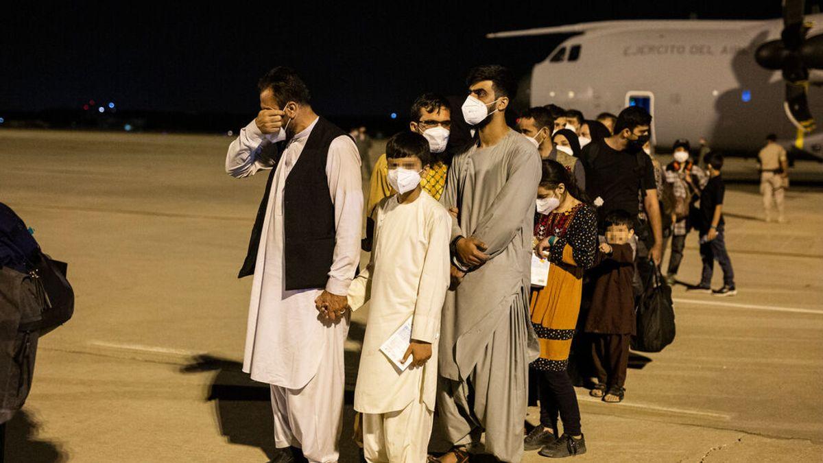 Los evacuados desde Afganistán dan negativo en Covid y podrán acceder al sistema de acogida en 72 horas