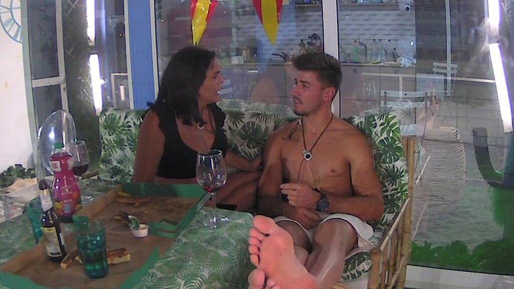 """Besos, promesas y muchos """"te quiero"""": así se ha despedido Iván de Amor en el pisito de 'Solos on the beach'"""