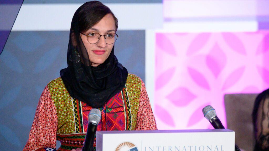 Zafira Ghafari, la alcaldesa más joven de Afganistán que caerá en manos de los talibanes si nadie lo impide