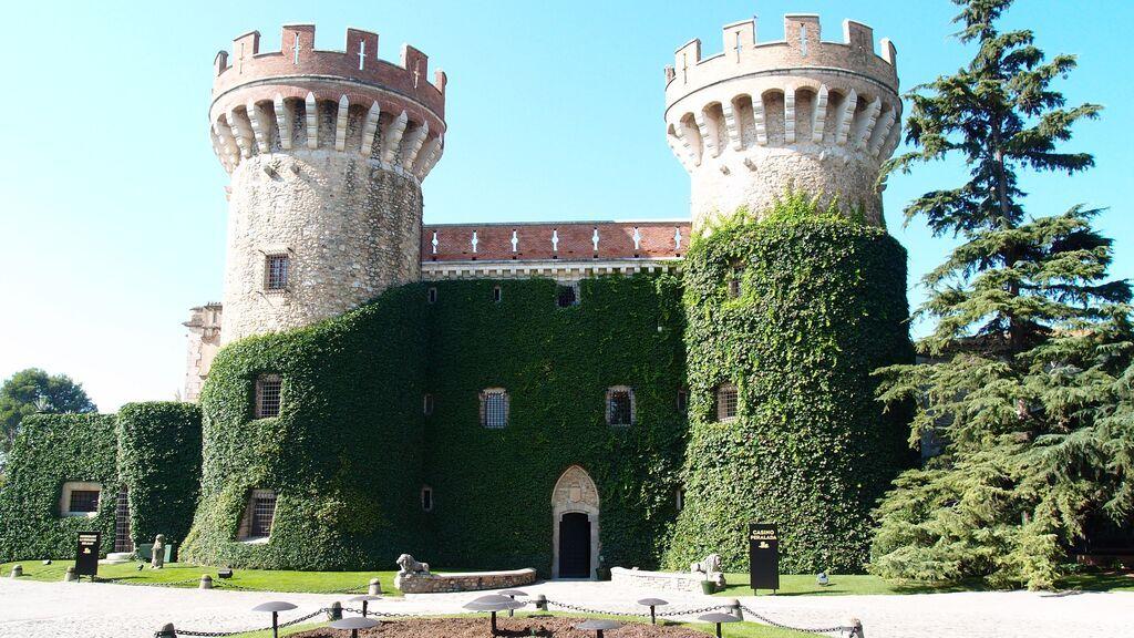 Castillo de Peralada, cerca de Figueres.