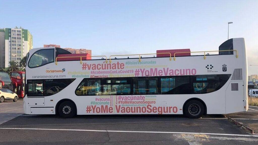 En marcha la 'vacuguagua' en Las Palmas de Gran Canaria que vacunará a mayores de 12 años