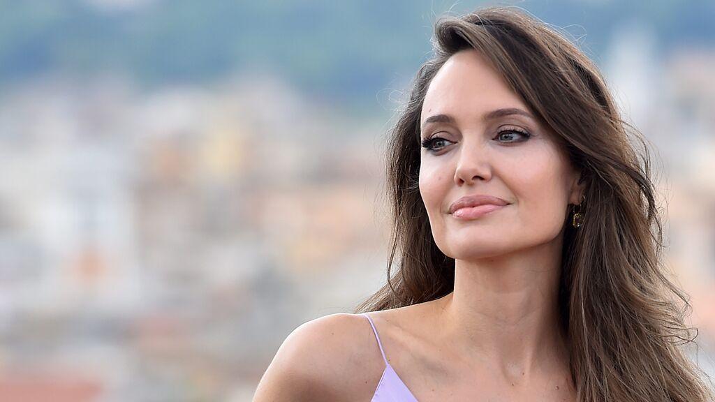 """Angelina Jolie aterriza en Instagram y bate récords al denunciar la situación que se vive en Afganistán: """"Es repugnante"""""""