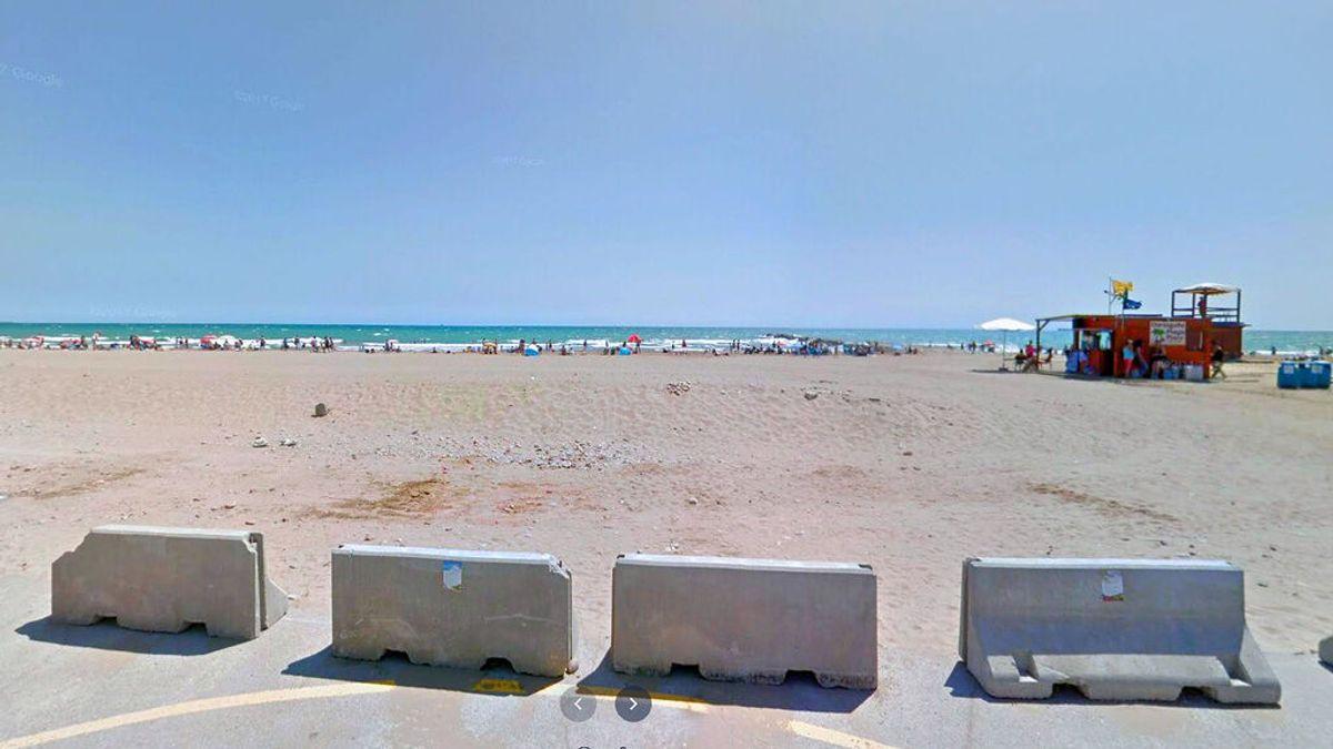 Cierran al baño las playas de Puzol, El Puig y Puebla de Farnals por una mancha aparecida en el agua