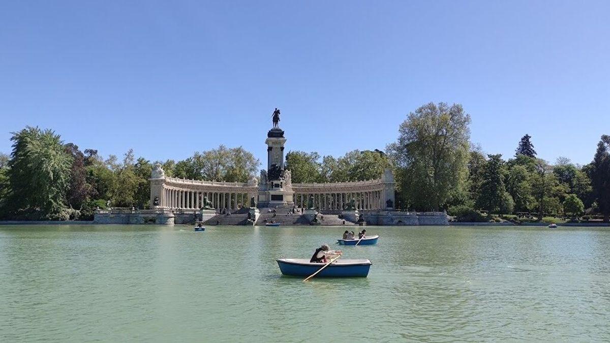 El Retiro y ocho grandes parques de Madrid cerrarán desde las 18.00 horas por alerta roja