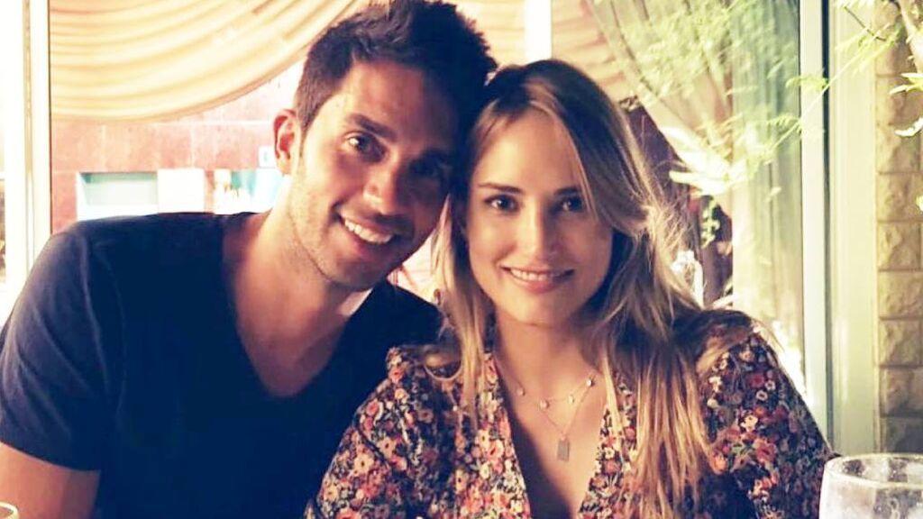Así es Santi Burgoa, el periodista aventurero que es novio de Alba Carrillo