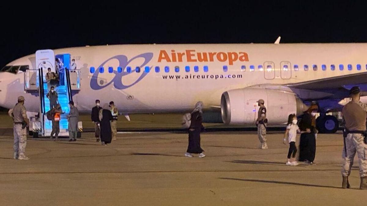 España consigue sacar a otros 260 refugados más de Afganistán en dos nuevos vuelos