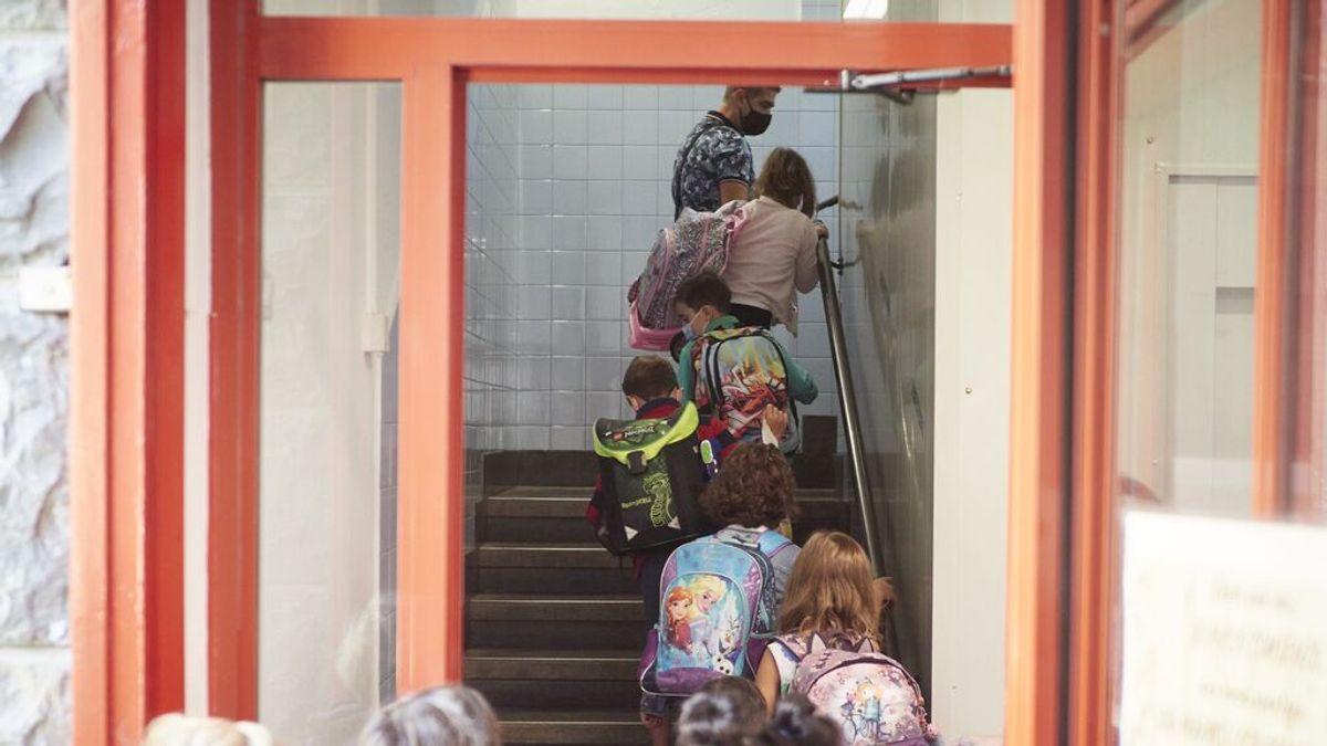 La vuelta al cole y los niños pequeños sin vacunar hacen temer una sexta ola de covid