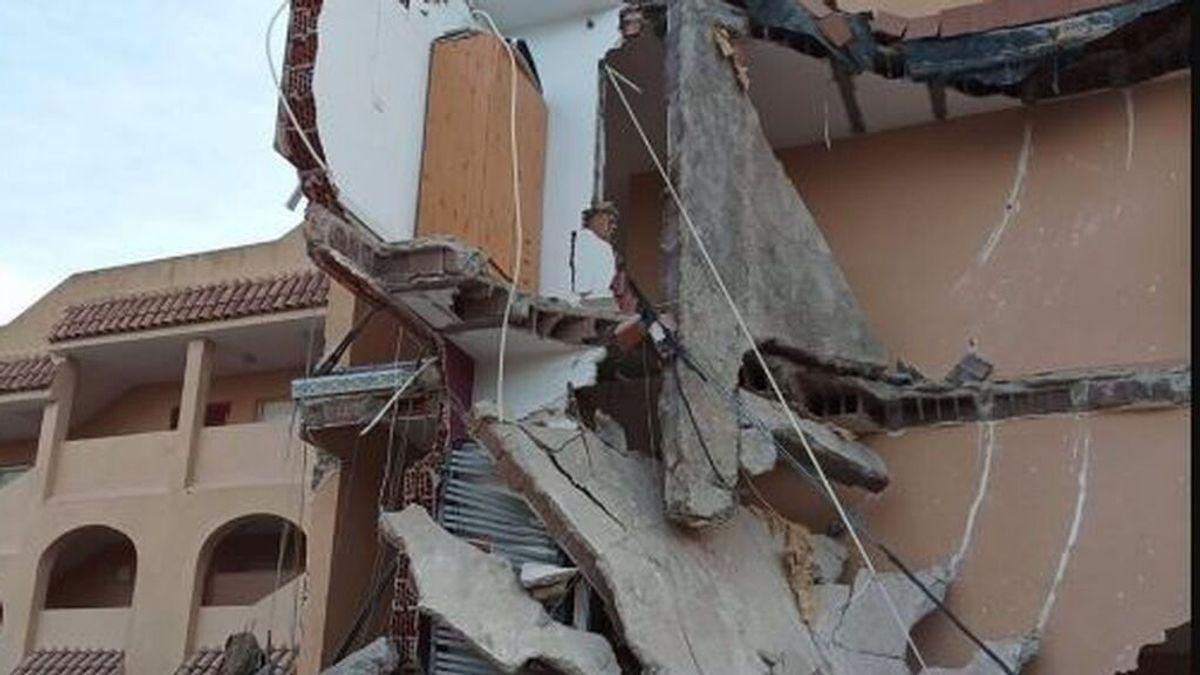 Varias personas atrapadas en Peñíscola tras el derrumbe parcial de un edificio