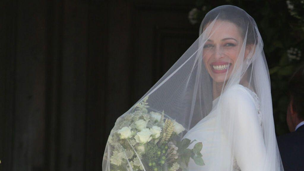 La modelo se decantó por un impresionante velo para su día más especial.
