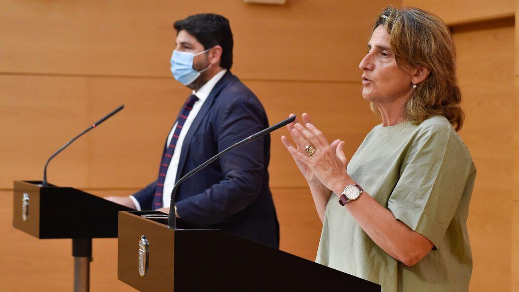 """Medioambiente y Murcia sellan la paz para salvar el Mar Menor: """"El compromiso es común"""""""