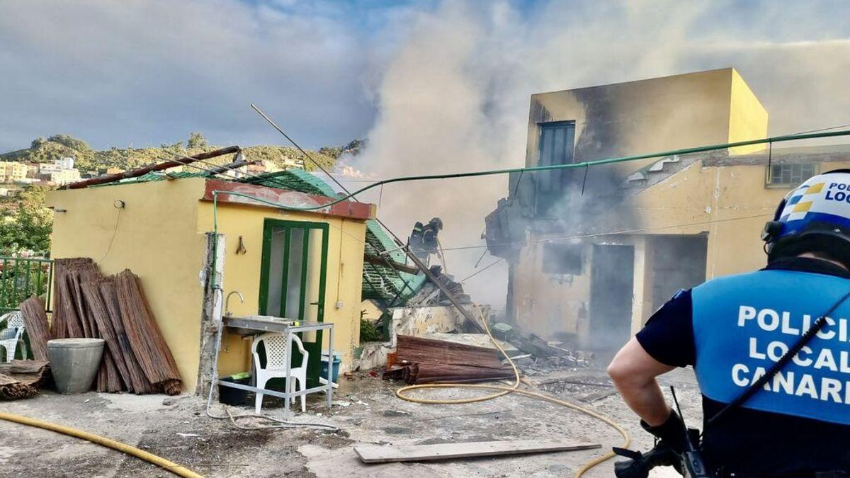 Explosión y derrumbe de una vivienda unipersonal en La Laguna