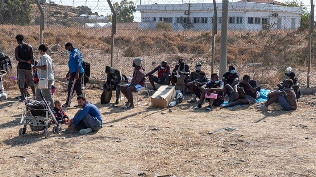 """Grecia y Turquía anuncian que """" no serán puerta de entrada de refugiados afganos"""""""