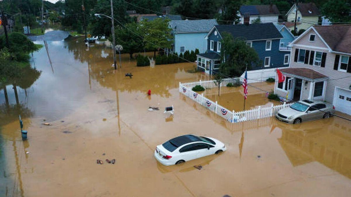 Meses de lluvia cayeron en pocas horas: la tormenta Henri empapa el noreste de EEUU