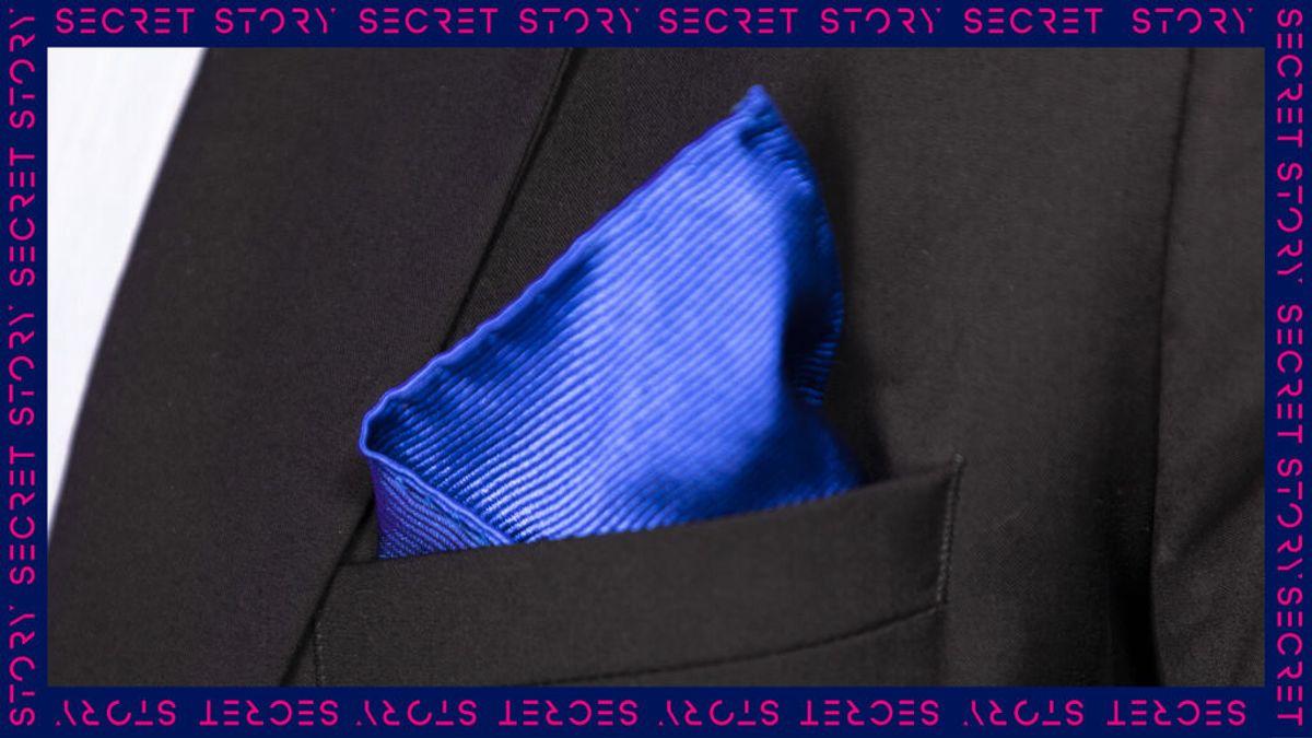 Un elegante pañuelo en el bolsillo de la chaqueta: la nueva pista de un concursante de 'Secret Story'