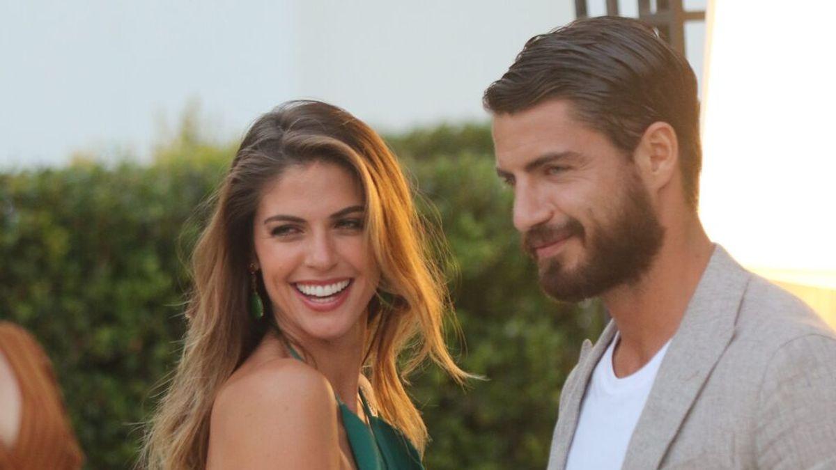 """Stephanie Cayo, novia de Maxi Iglesias, habla por fin de su divorcio: """"Hicimos una promesa"""""""