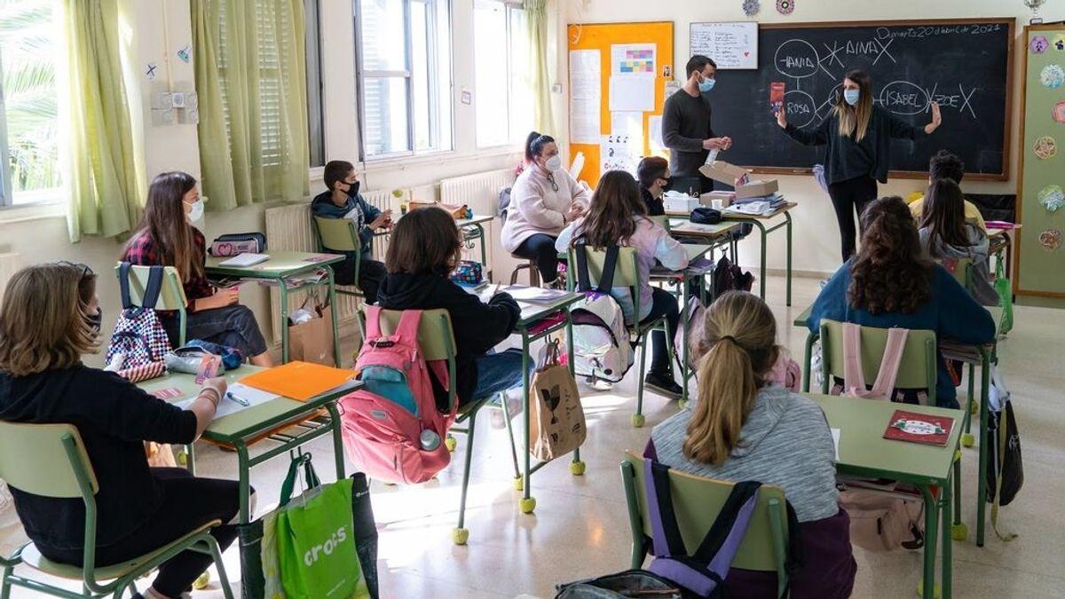 Sanidad estudia que alumnos vacunados no guarden cuarentena si son contacto