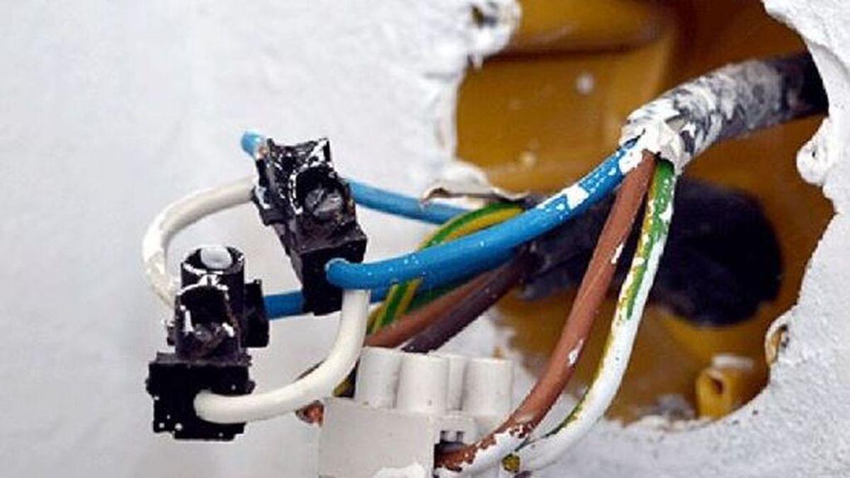 Muere  electrocutado un hombre de 62 años al manipular cable en su casa en Las Tres Mil Viviendas de Sevilla