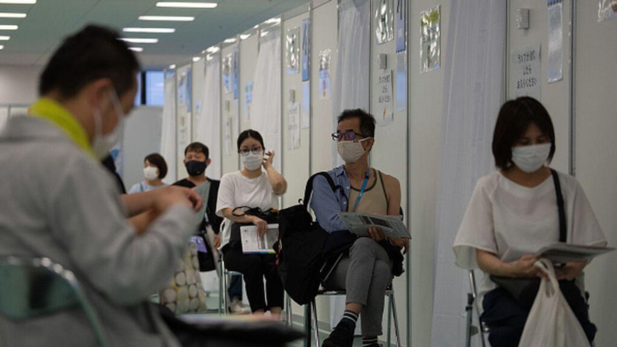 Japón no registra problemas con las vacunas de los lotes contaminados de Moderna fabricados en España