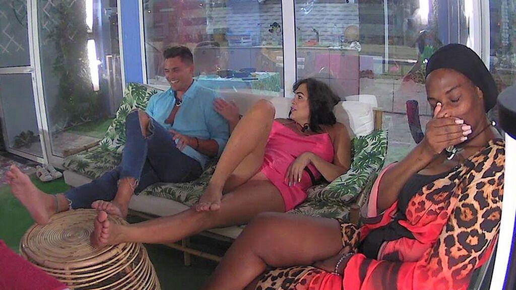 Remember viceverso en el pisito de 'Solos on the Beach': Amor desvela un rollete oculto con un tronista