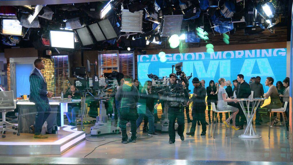 El canal de televisión ABC News, envuelto en un escándalo por una demanda de acoso sexual