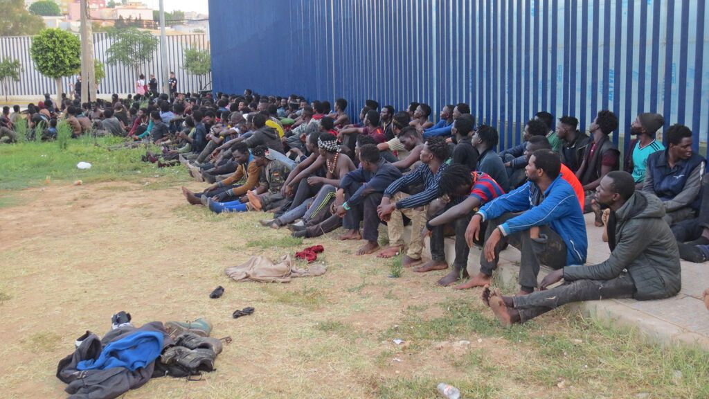 España y Marruecos impiden la entrada a nado en Melilla de una veintena de subsaharianos