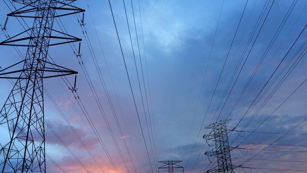 El Gobierno planta cara a las eléctricas por los precios máximos a los que ofertan la energía hidráulica