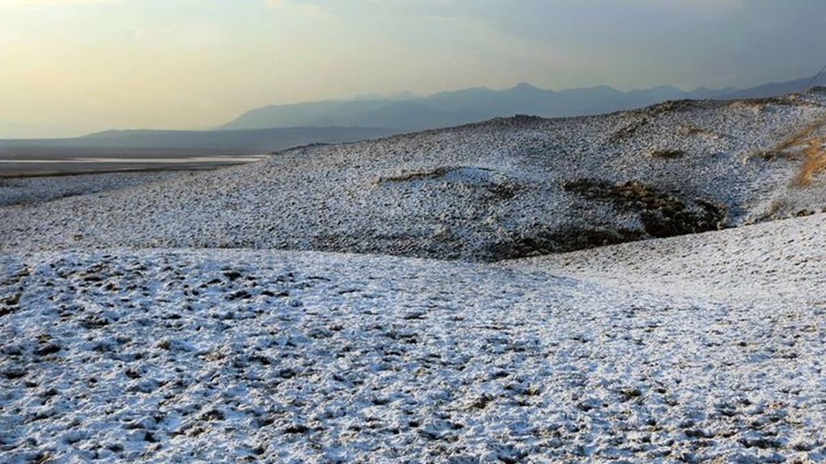 'Flores de sal' en el Valle de la Muerte: un curioso fenómeno cambia radicalmente el paisaje desértico