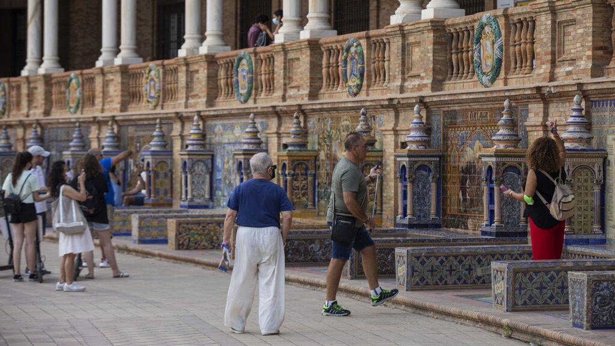 Los contagios y los hospitalizados por covid en España siguen bajando